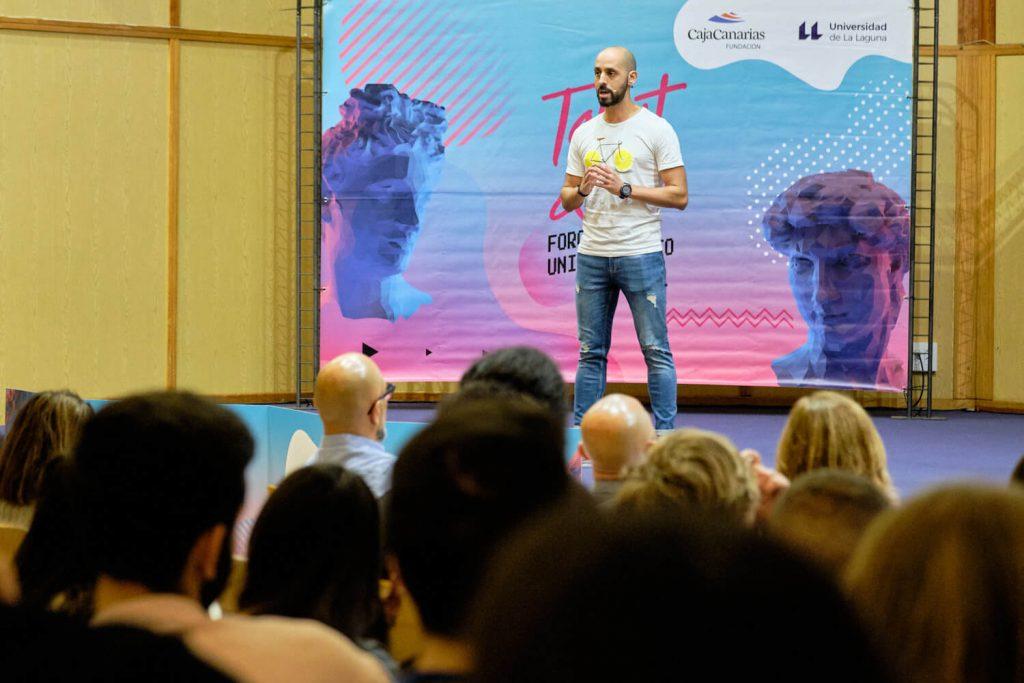 Carlos en los talleres by Futural Tourism